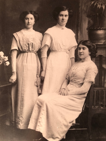 The Falconer sisters: Jean, my great grandmother Majorie and Nell